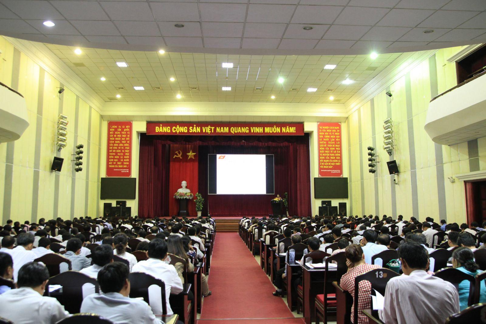 Hình Đảng ủy Khối tổ chức Hội nghị tập huấn nghiệp vụ công tác xây dựng Đảng năm 2019