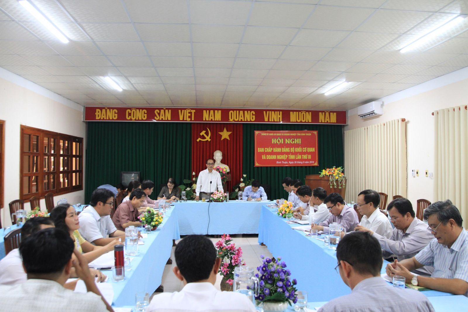 Hình Hội nghị Ban Chấp hành Đảng bộ Khối cơ quan và doanh nghiệp tỉnh lần thứ 3