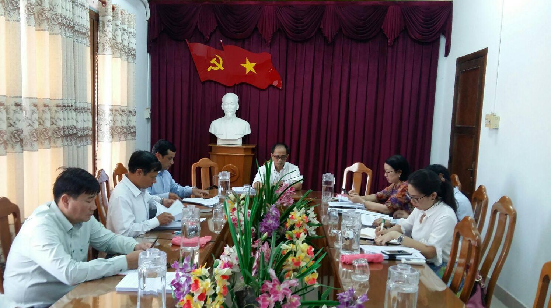 Hình Ban Thường vụ Đảng ủy Khối cơ quan và doanh nghiệp tỉnh họp rà soát công tác chuẩn bị đại hội