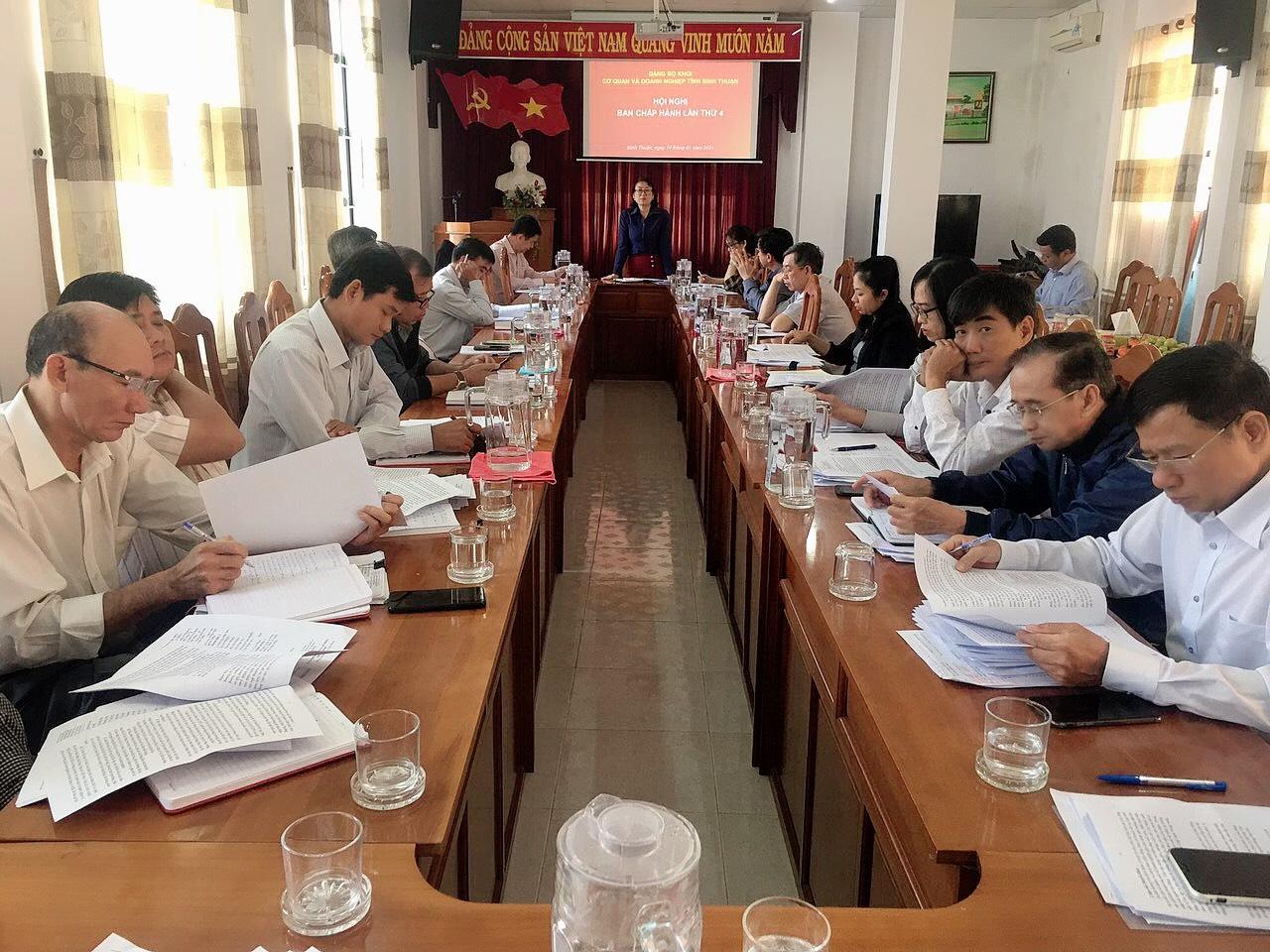 Hình Hội nghị Ban Chấp hành Đảng bộ Khối cơ quan và doanh nghiệp tỉnh lần thứ 4