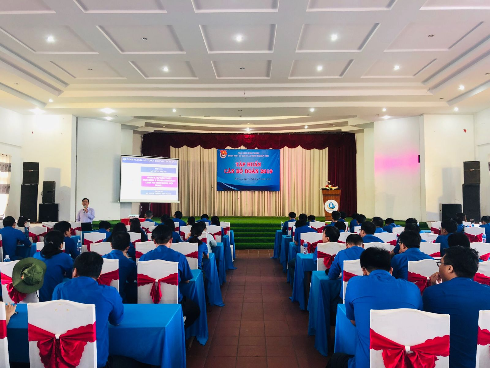 Hình Đoàn Khối cơ quan và doanh nghiệp tỉnh tổ chức lớp tập huấn và hội trại truyền thống 2019