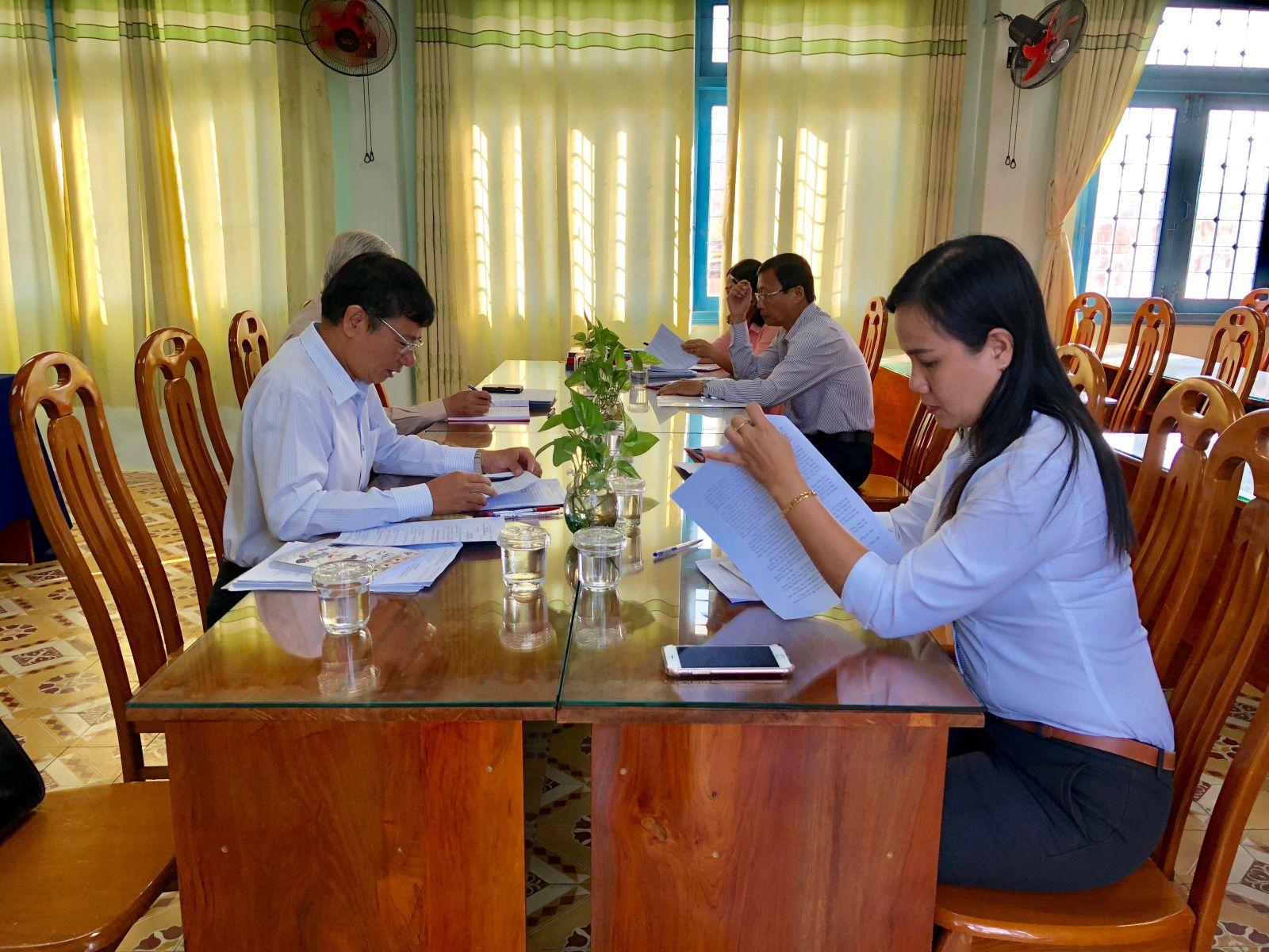 Hình Đảng uỷ Khối cơ quan và doanh nghiệp tỉnh kiểm tra công tác chuẩn bị Đại hội Đảng