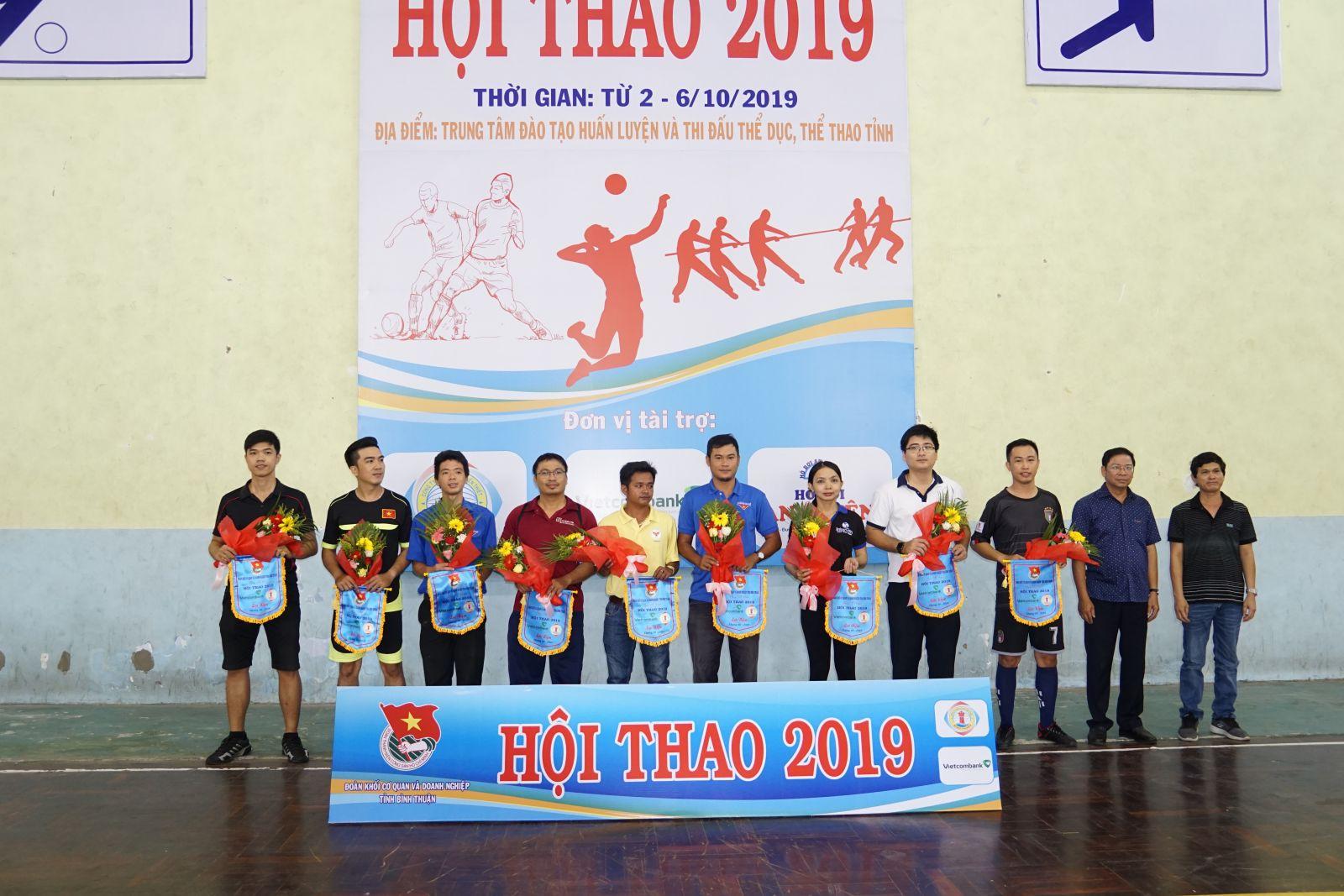 Hình Đoàn Khối cơ quan và doanh nghiệp tỉnh tổ chức Hội thao  năm 2019