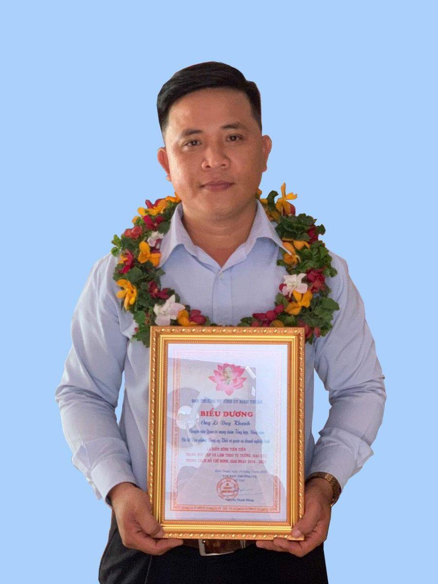 Hình Đảng viên Lê Duy Khánh - Học tập và làm theo lời Bác
